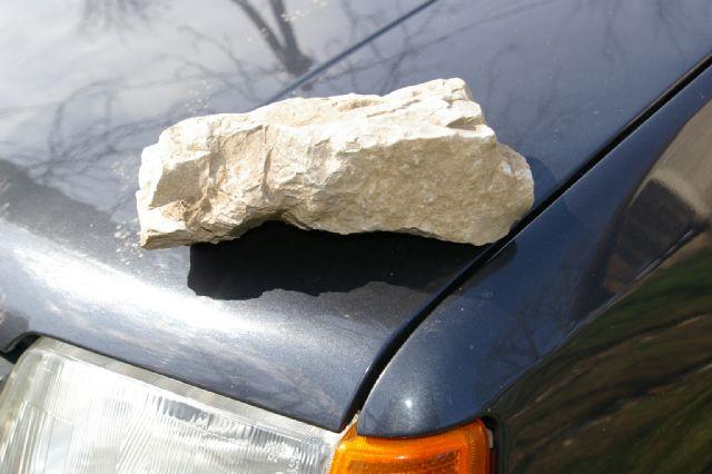 Kamenom do torbice