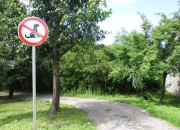 Zabrana na putu za šetnicu Krš