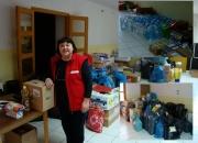 Vesna Mitrović, ravnateljica Gradskog društva Crvenog križa s dijlom prikupljenih donacija
